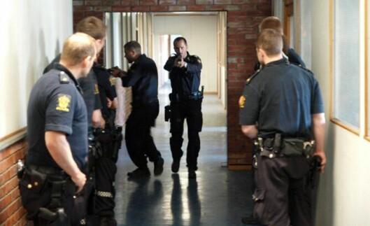 PRAKTISKE FAG: De tillitsvalgte frykter det foreslåtte kuttet vil gå utover de praktiske politifagene som for eksempel operativ trening, ordenstjeneste, fysisk trening og konflikthåndtering.