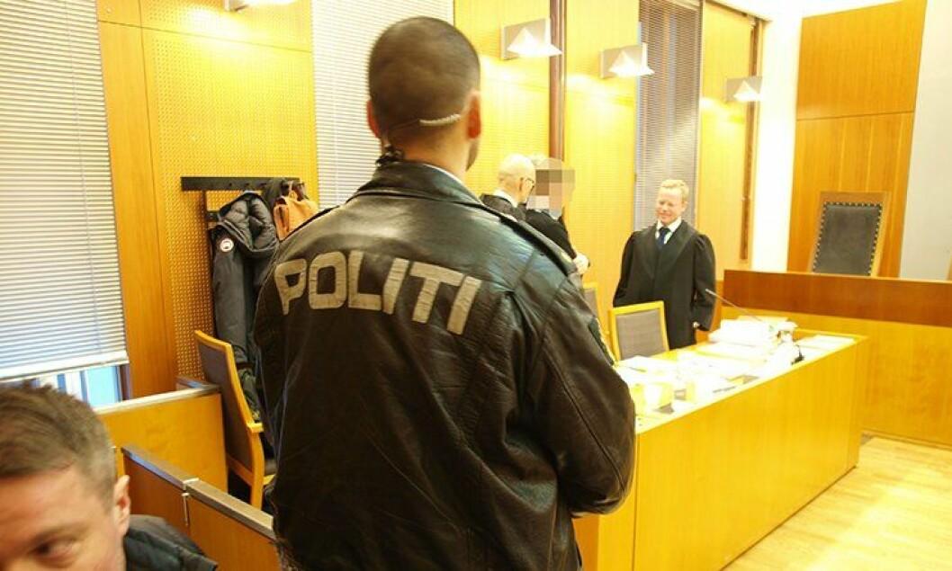 Rettssaken mot en mann som overfalt politispaneren i mai 2012, gikk av stabelen i Oslo tingrett.