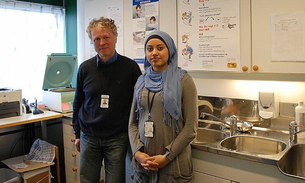 Lege Bjørn Granhus og sykepleier Roqaya Dawood ved bedriftshelsetjenesten i Oslo.