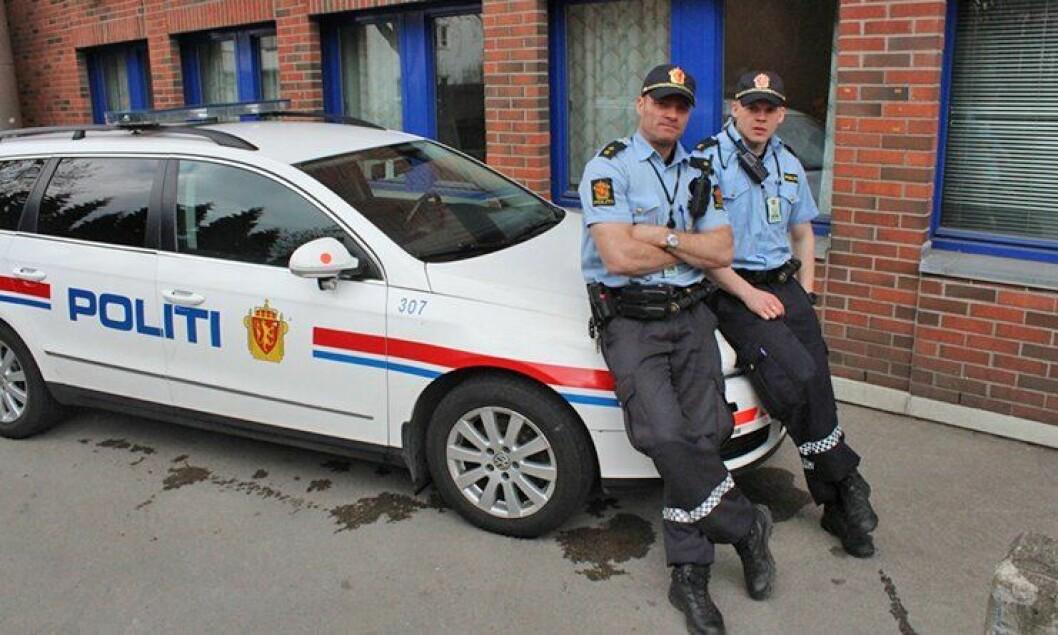 Politibetjent Stig Kolstad og hans praksisstudent.
