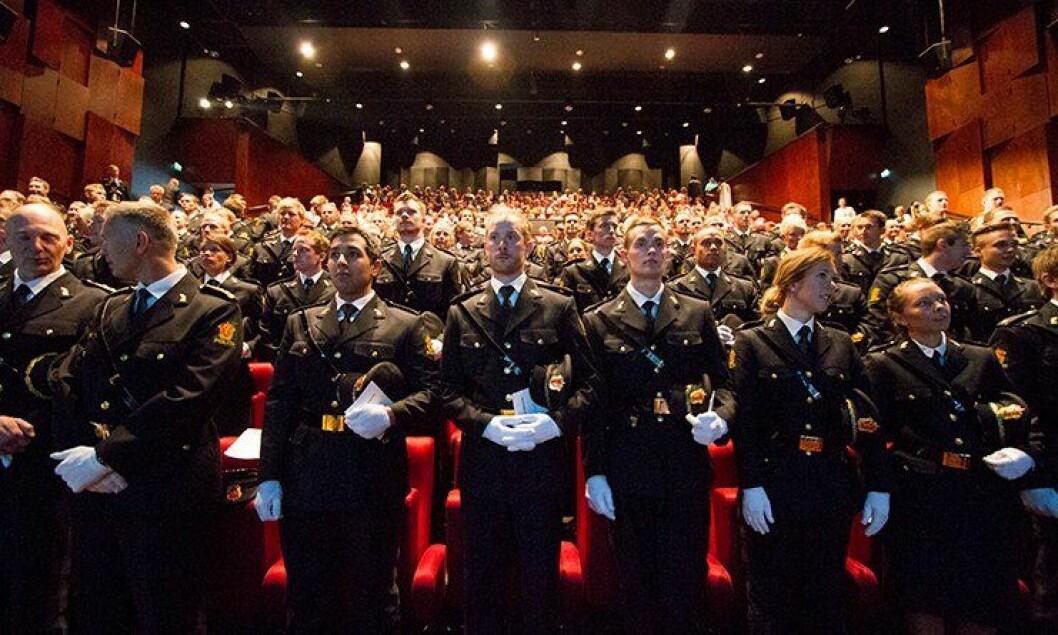 Våren 2013 gikk det første studentkullet ut av Politihøgskolen (PHS) i Stavern.