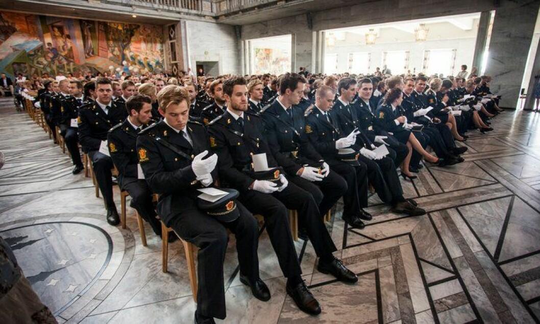 Avgangsstudentene fra Politihøgskolen i Oslo under vitnemålsseremonien i Oslo rådhus.