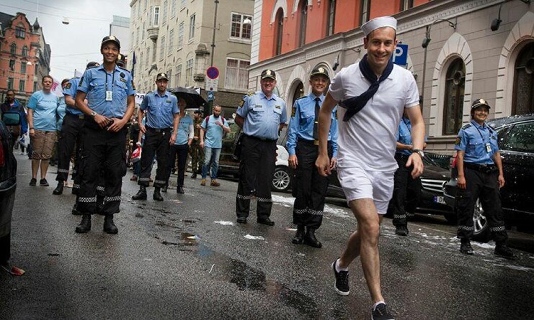 Politiet i homoparaden 2013.