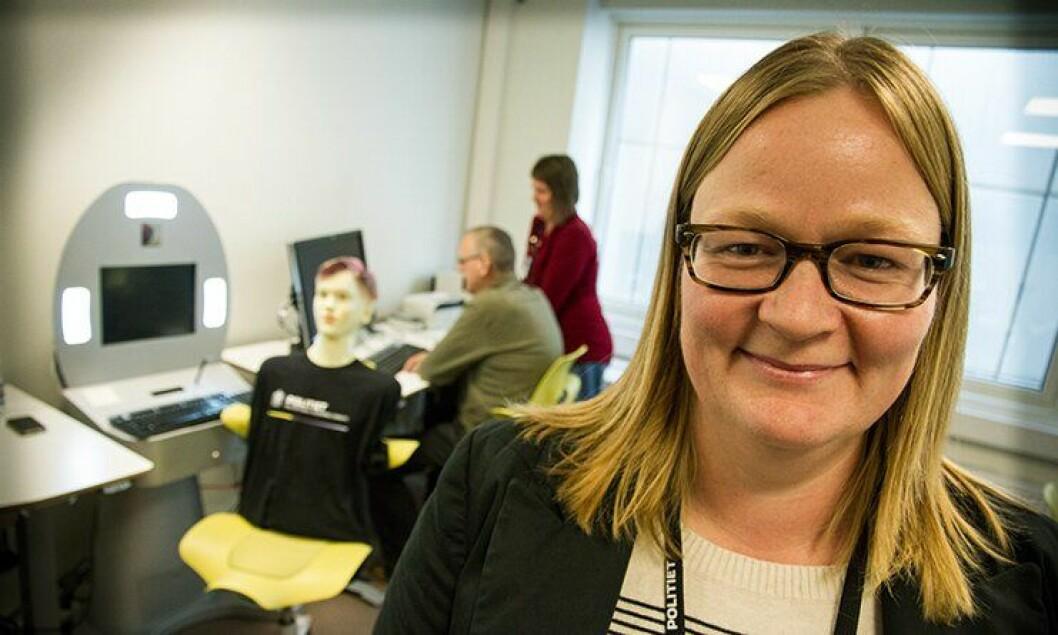 Stine Hanssen, leder for faggruppe test hos PDMT, sier at økt profesjonalitet blant hennes medarbeidere minsker sjansen for feil i politiets dataprogrammer.