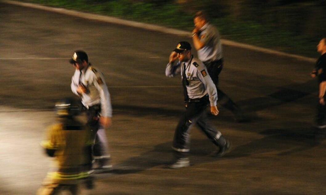 Det er store forskjeller mellom politiet og brannvesenet, skriver artikkelforfatteren.