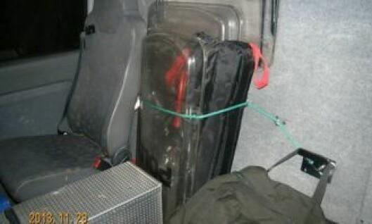 Eksempel på hvordan utstyr lagres i politibil
