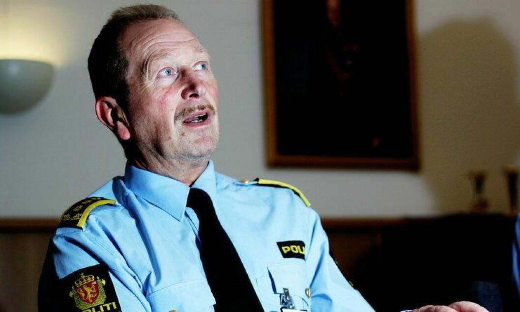 Geir Valaker ved Politihøgskolen (PHS) mener de fysiske opptakskravene til skolen har blitt skjerpet.