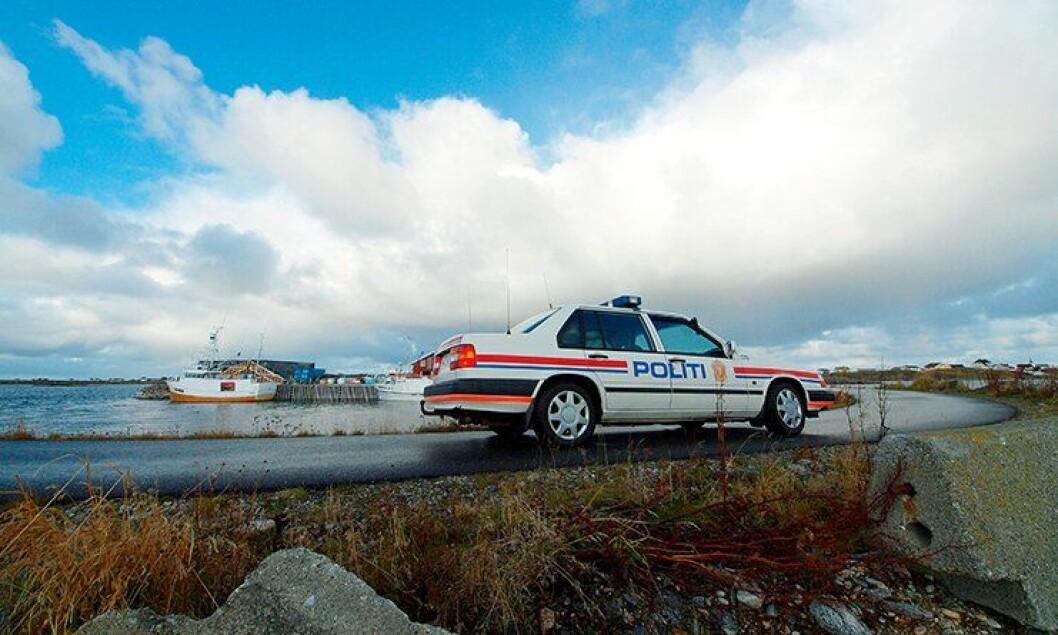 Politibil på landet.