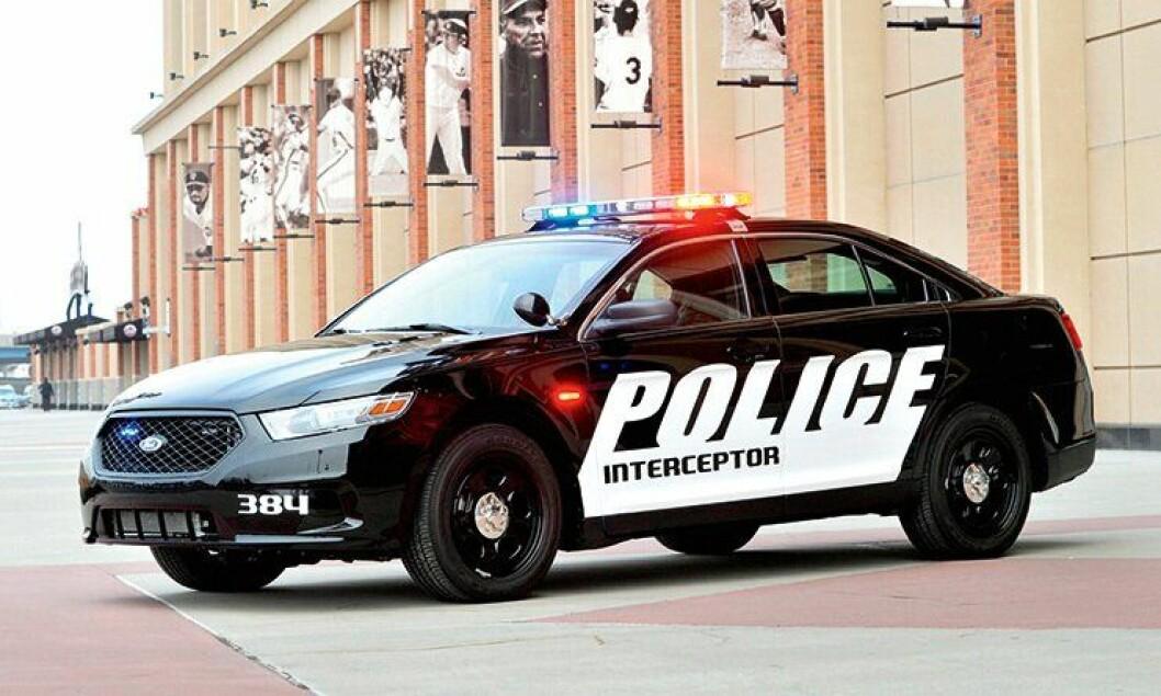 Ford Police Interceptor er basert på Ford Taurus, og skal overta patruljebilsegmentet i USA og Canada. Den leveres med fire motoralternativer, deriblant en firehjulstrekker med 3,7 liters motor som yter 307 hestekrefter.