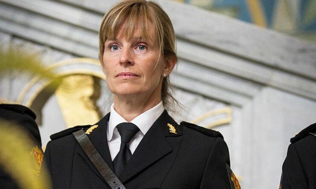 Her er Frøydis Adamson (48) i Oslo rådhus for å motta vitnemålet. Nå har hun fast jobb.