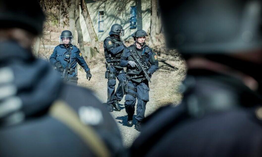 Slik ser det ut når Follo politidistrikt trener på skarpe oppdrag.