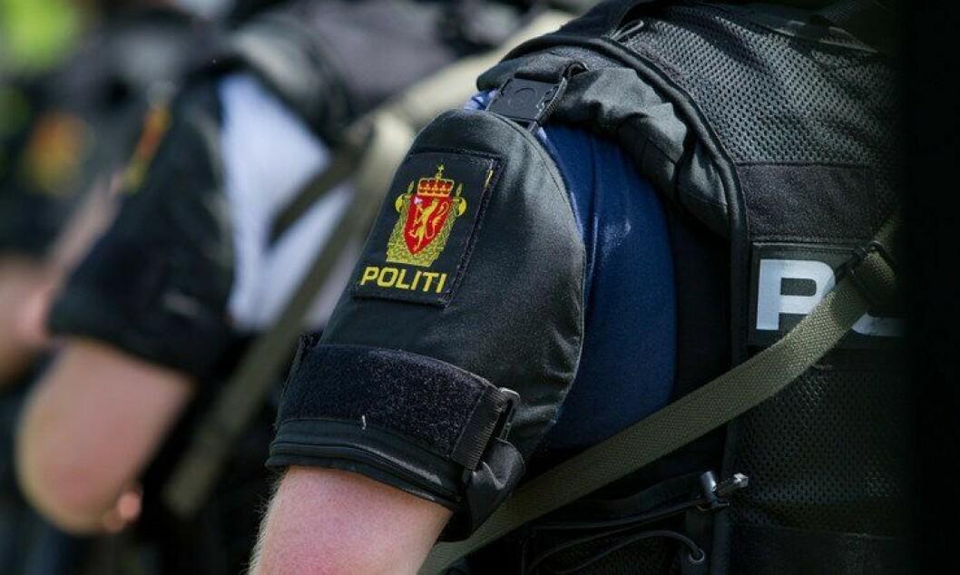 DEMOKRATI: Politiets opptreden under nazimarsjen i Kristiansand i sommer er et eksempel som ikke skal følges, mener artikkelforfatteren.