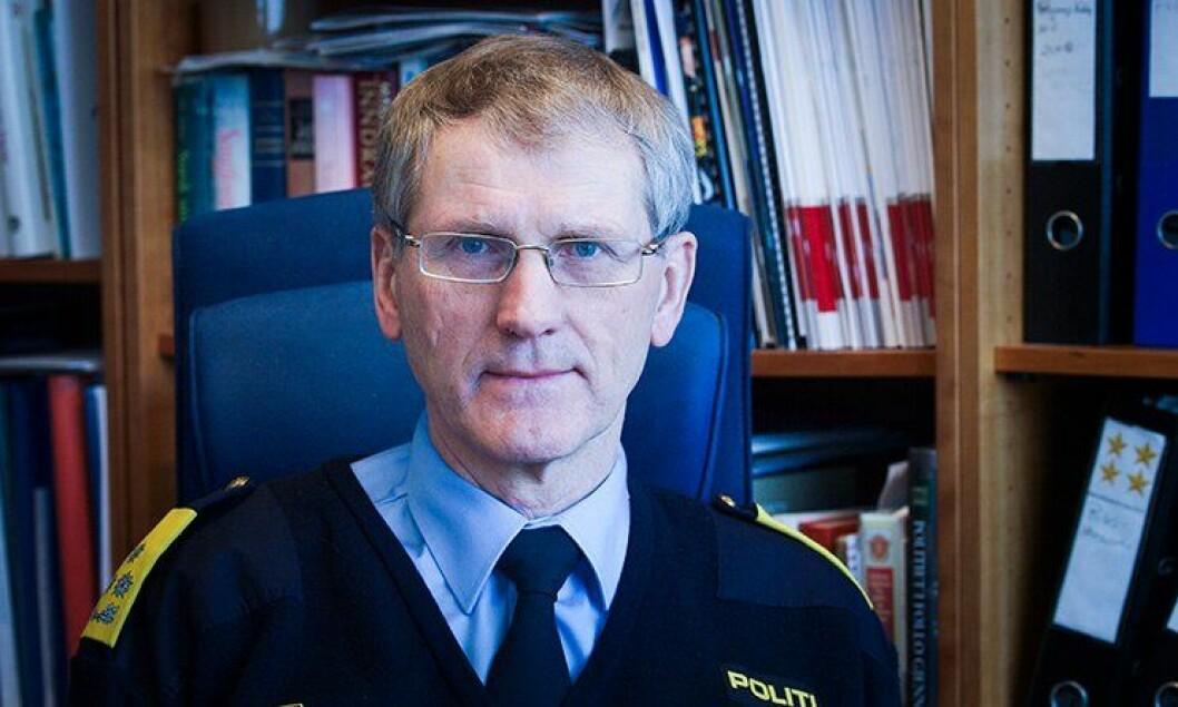 Assisterende politidirektør Vidar Refvik skal etter det Politiforum erfarer ha ringt flere av søkerne til politimesterstillingen og sagt at det ikke blir jobbintervjuer.