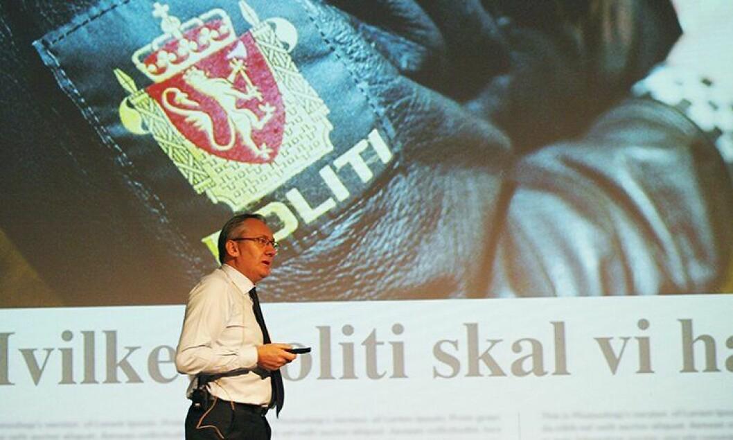 – Stemmer ikke, sier politidirektør Humlegård om at POD skal ha anbefalt ni distrikter.