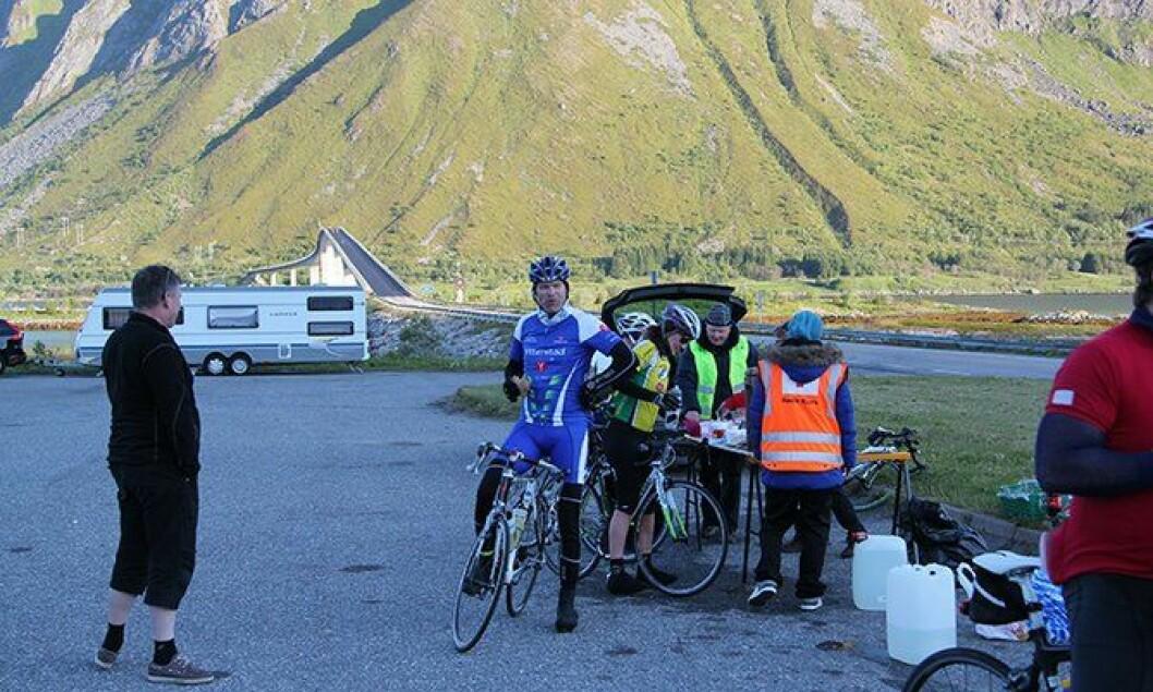 On the roll: Bolstad henter energi fra å trene og å være aktiv. Deltakelsen i sykkelløpet «Lofoten insomnia» nær hans hjemplass Lødingen, har blitt en fast sommeraktivitet.