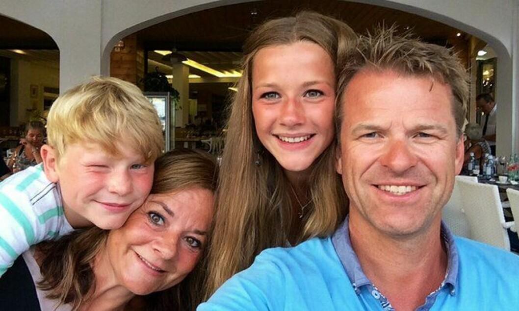 Family guy: – Jeg prioriterer familien høyt. Det gir meg energi, sier PF-lederen. Her med kona Liv og barna Hanna og Martin.