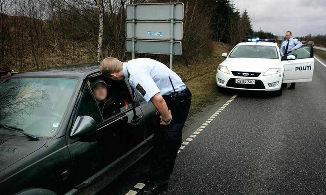 Her stopper dansk trafikkpoliti en bilist. Men i København har de nesten ikke vært på veien siden mai.