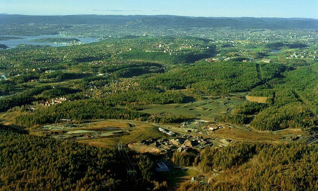 Gamle Grønmo avfallsanlegg med Oslo i bakgrunnen.