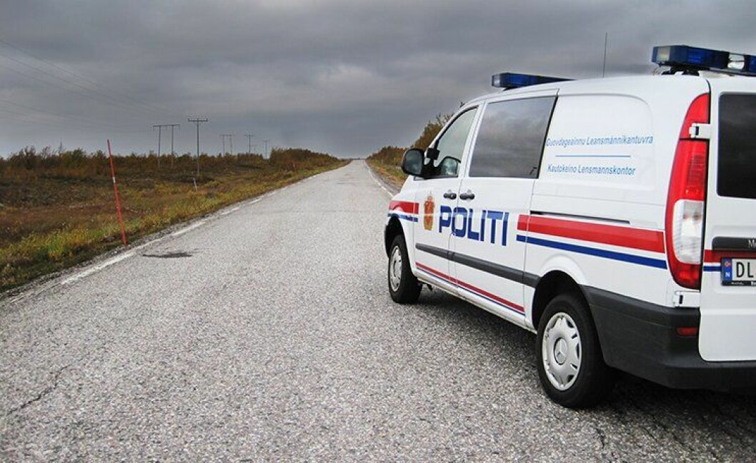Det ble mange og lange turer over vidda for politiet i Finnmark – tiltalte sa han hadde flyskrekk.