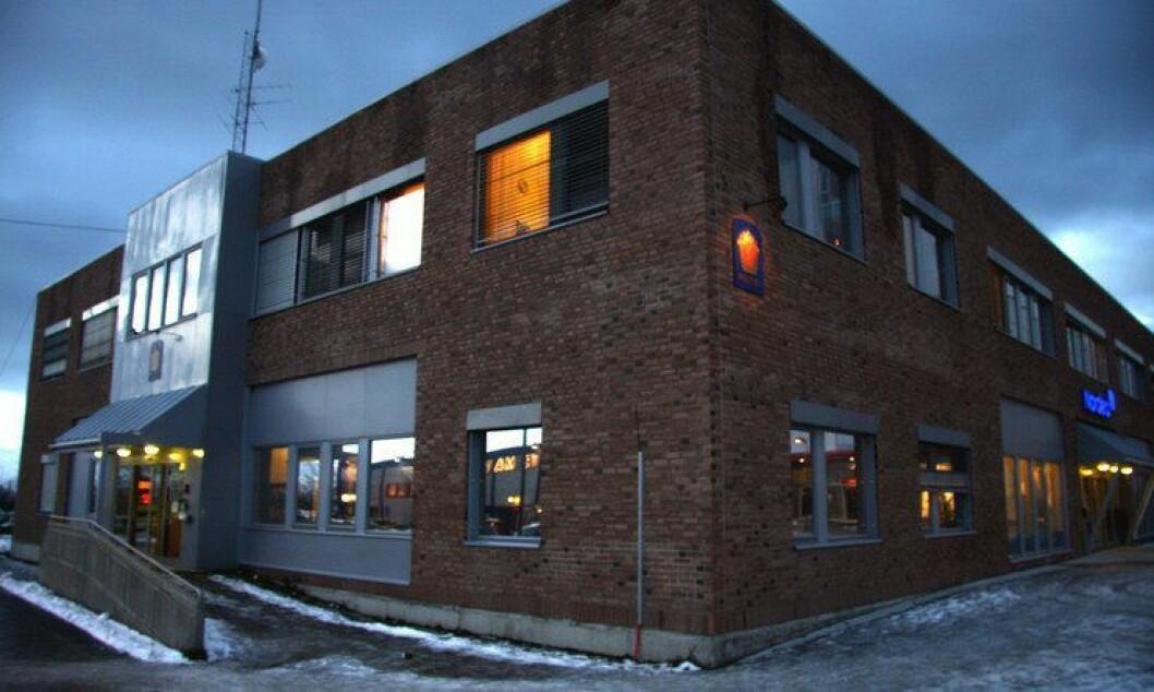 Lensmannskontoret her i Alta måtte settes i sving for å transportere fangen fra Vadsø til Tromsø. Men en kilde Politiforum har snakket med mener det var unødvendig.