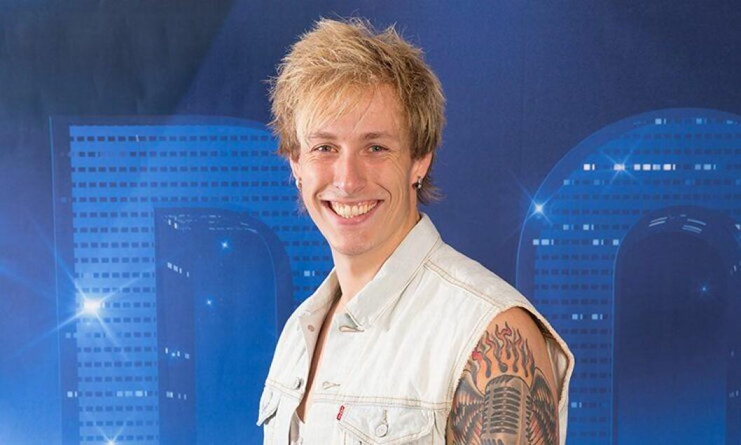 Jørgen Bergersen jobber til daglig på Moss politistasjon, men i kveld gir han alt for å komme til Idol-finalen.