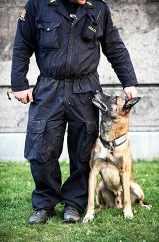 Politihunden Pelle og hans eier.
