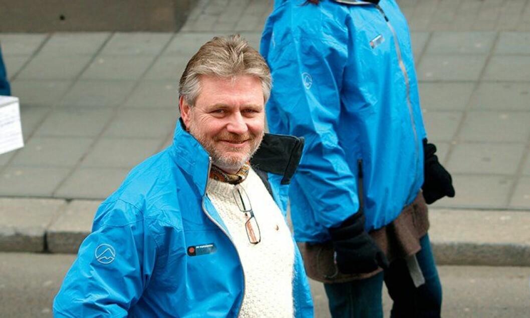Forhandlingssjef Victor-Bjørn Nielsen i den PF-blå jakka, under den store politidemonstrasjonen i 2009.