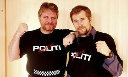 Victor-Bjørn Nielsen og tidligere PF-leder Arne Johannessen forbereder seg til tariffoppgjøret i 2005.