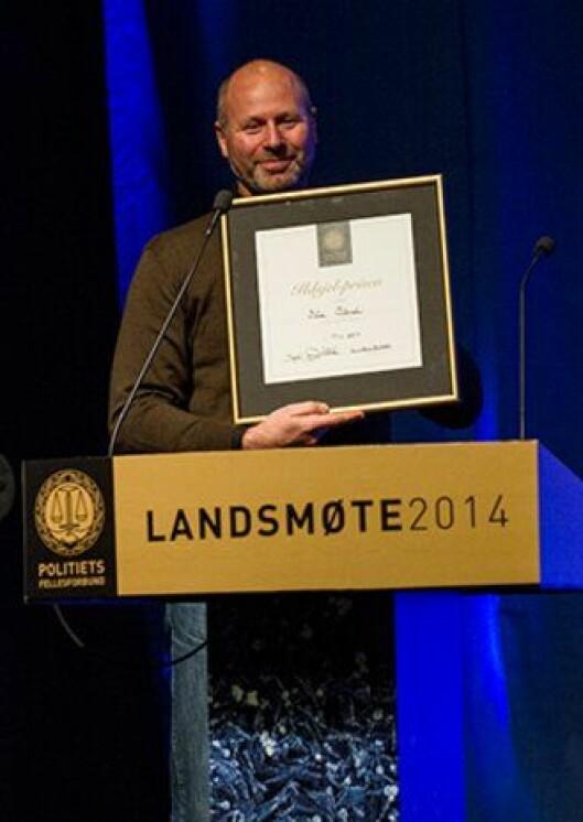 Bård Stensli fikk Politiets Fellesforbunds Ildsjelpris under PF-landsmøtet i Bodø.