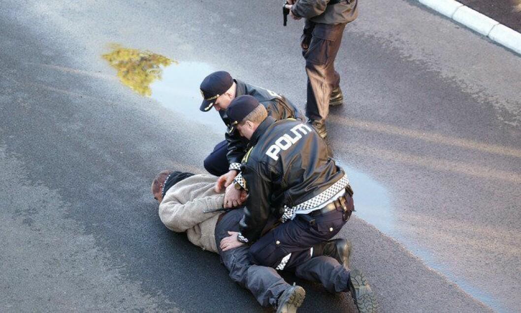 Det er blant annet under pågripelser flest polititjenestepersoner blir skadet.