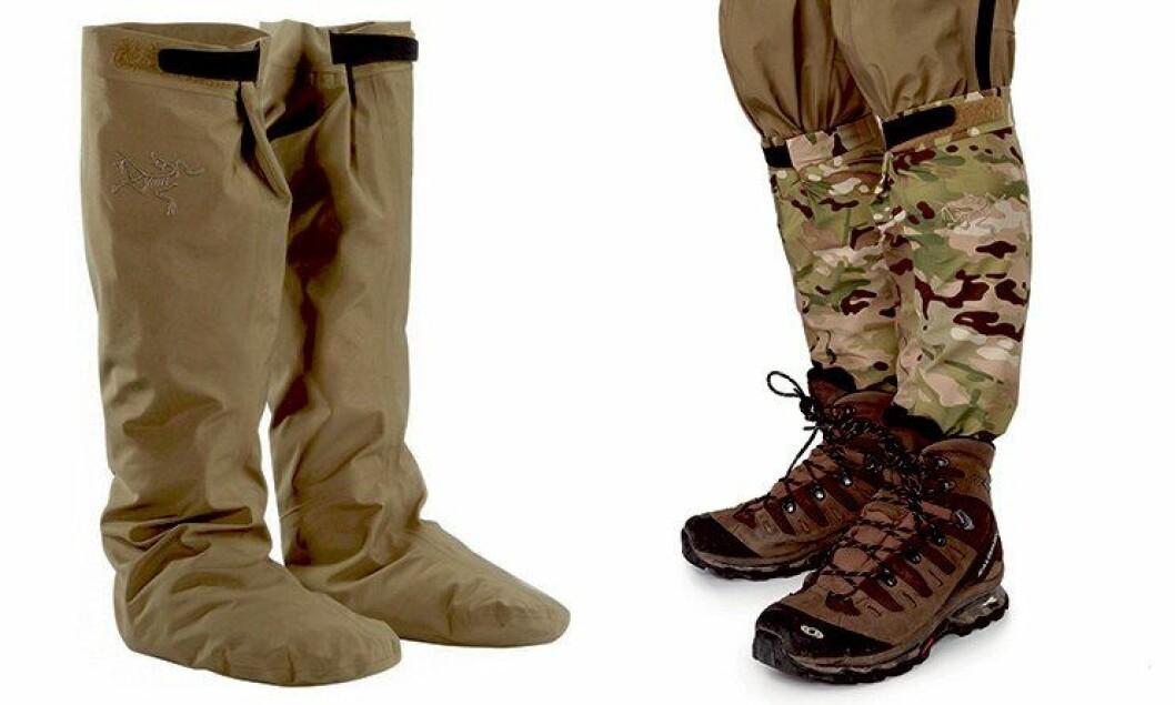 Tørrsokkene skal holde deg tørr på beina. De kommer i disse to fargene.