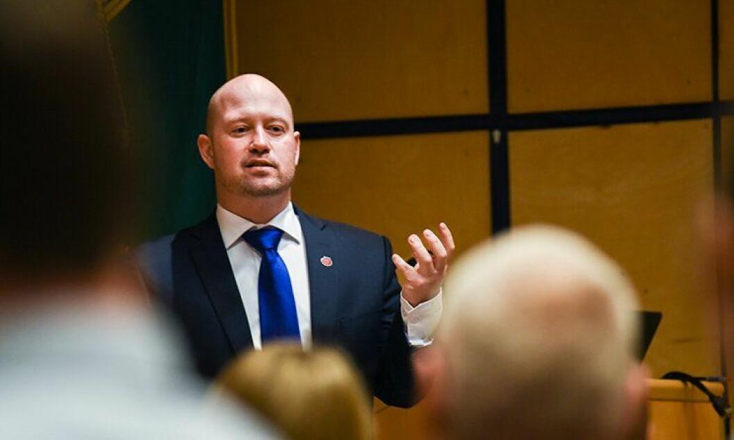 Justis- og beredskapsminister Anders Anundsen har lagt fram politireformen.