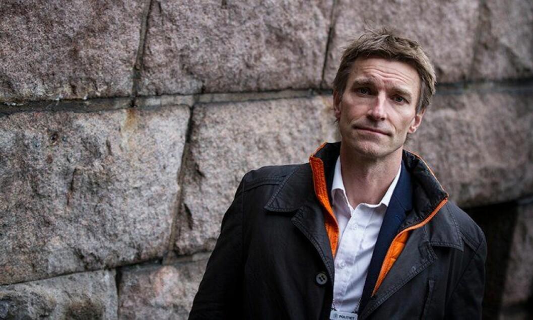 – Den som tar mot til seg, og oppsøker politiet for å anmelde en voldtekt, risikerer å bli avhørt av en som ikke har de ferdighetene som kreves, sier Asbjørn Rachlew.