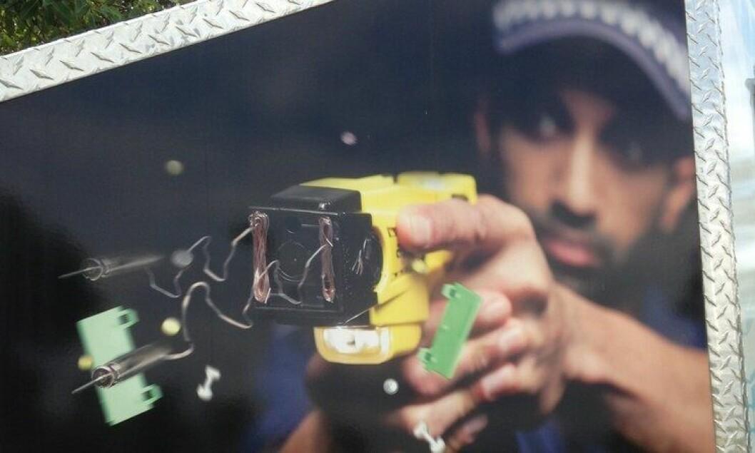 På New Zealand bruker politiet taser. Den fungerer preventivt, og avfyres sjelden.