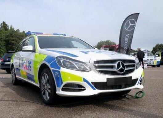Trolig anbud. Det er sannsynlig at Mercedes-Benz også vil legge inn anbud til nye politibiler. Her en E-klasse fra Sverige.