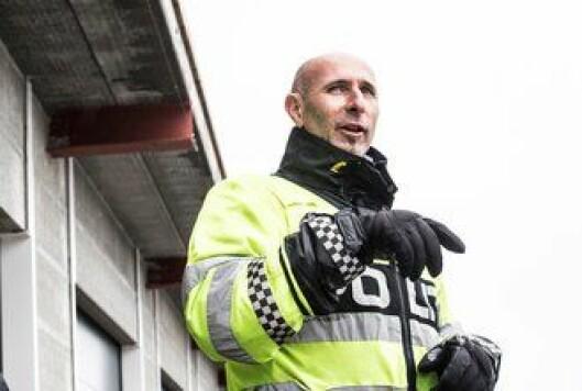 Truls Hjortnæs i Trafikkorpset er blant de som instruerer under treninga.