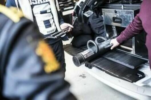 Rambukk og pitcher vil ha sin faste plass i alle bilene.