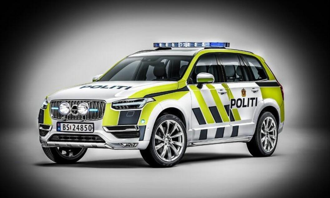 Vil XC90 ligne på dette hvis den blir ny politi-SUV? Bildet er manipulert og uniformeringen er påført av Politiforum.