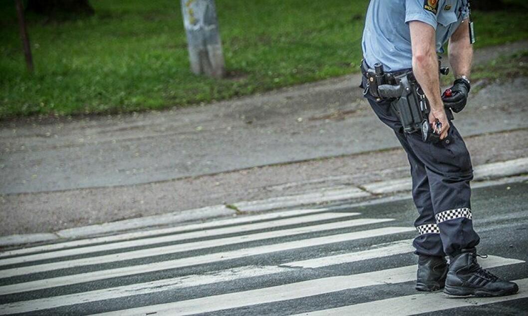 Politiet truer sjelden med våpenet. Og ikke mer etter bevæpningen enn før.