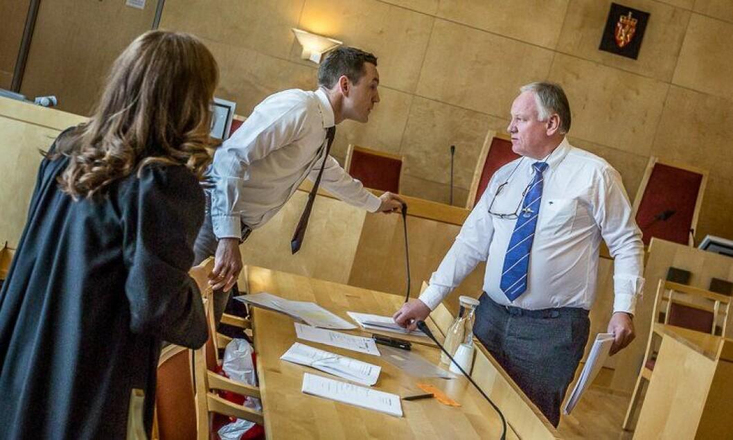 UENIGE: Statsadvokat Jo Christian Jordet vil ha den tiltalte mannen dømt til tvunget psykisk helsevern, mens forsvarsadvokat Sigurd Klomsæt vil ha full frifinnelse.
