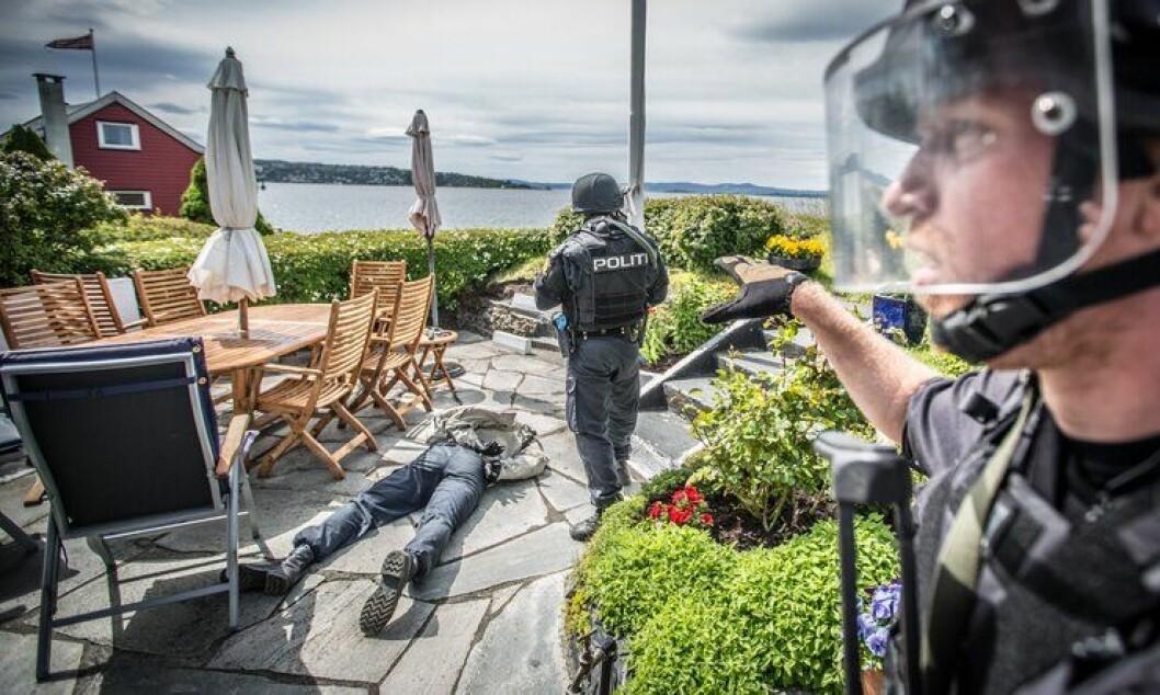 Manglende risikoerkjennelse på politisk nivå som blant annet har ført til utilstrekkelige bevilgninger og dermed utsatte personell og materiellinvesteringer innen samfunnssikkerhetssektoren – generaliseres til manglende risikoerkjennelse på alle nivåer. Bildet er hentet fra en PLIVO-øvelse i Oslofjorden i vår.