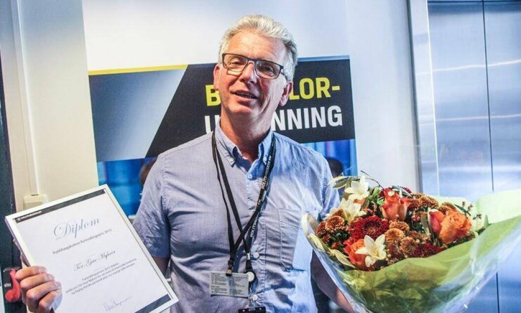 MENTOR: Professor Tor-Geir Myhrer fikk Formidlingsprisen under Forskningsdagene 2015 på Politihøgskolen.