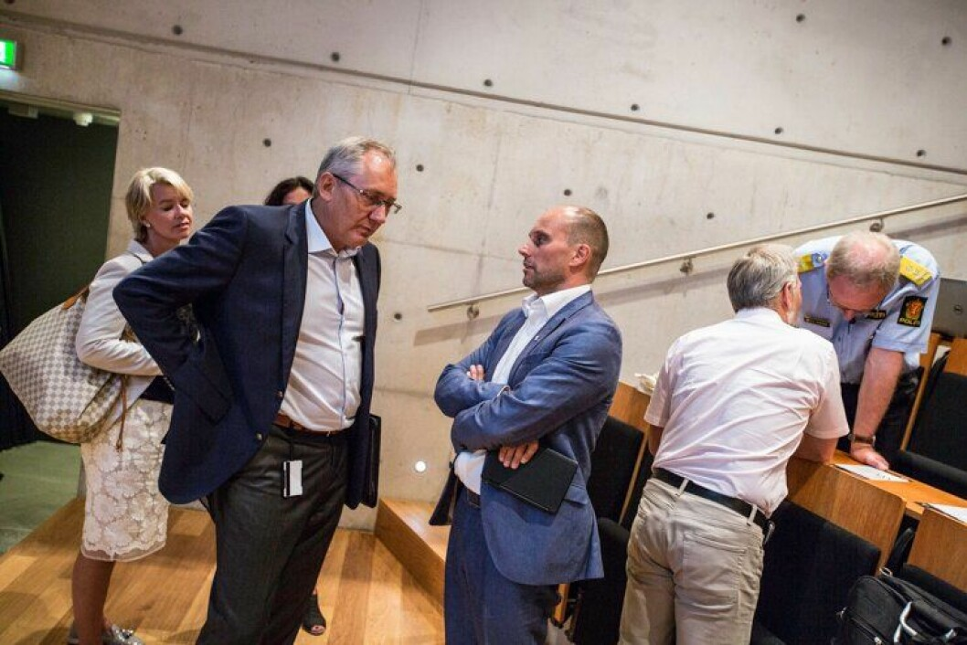 Politidirektør Odd Reidar Humlegård og tidligere politimester i Vestfinnmark PD Torbjørn Aas under lanseringen av «Politiledelse»