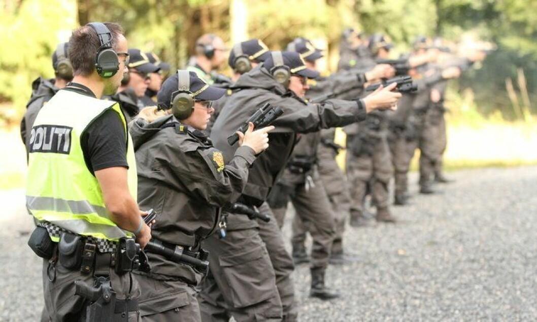 Politistudenter trener både de fysiske og psykiske aspektene ved å ta liv.