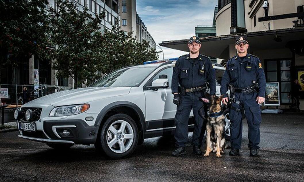 Volvo XC70 ble valgt som hundebil i september. Den er ferdigbygd i politiversjon, men nådde ikke om som patruljebil.