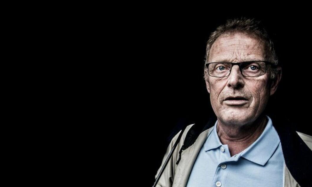 I mørket: Knut Lauvrak reddet livet til en fange, men ofret mye av sitt eget. Arbeidsgiveren, Agder politidistrikt, har ikke tatt ansvar, synes han.