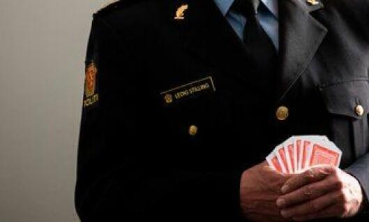 Det er kun tiden som vil vise hvem som blir sittende med esset og politimesterjobbene. Bildet er manipulert.
