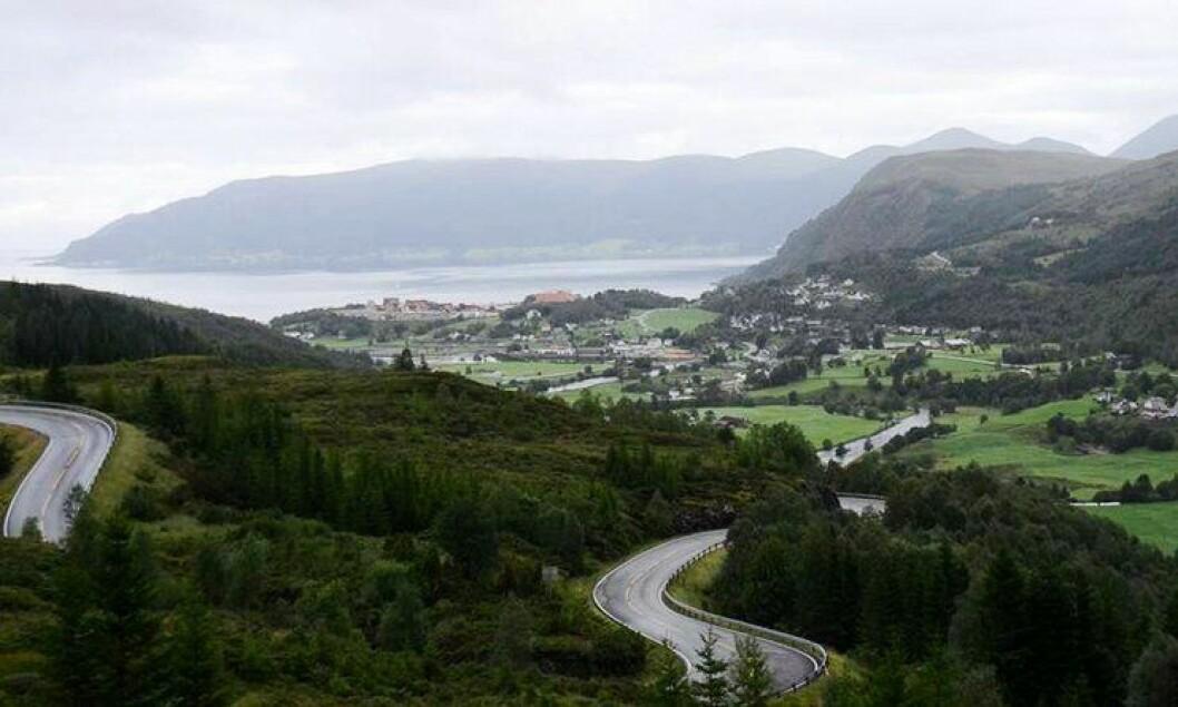 Åheim i Vanylven kommune er et av tettstedene som blir del av en ny distriktsstruktur. Vanylven legges til Møre og Romsdal politidistrikt, men først om en stund.