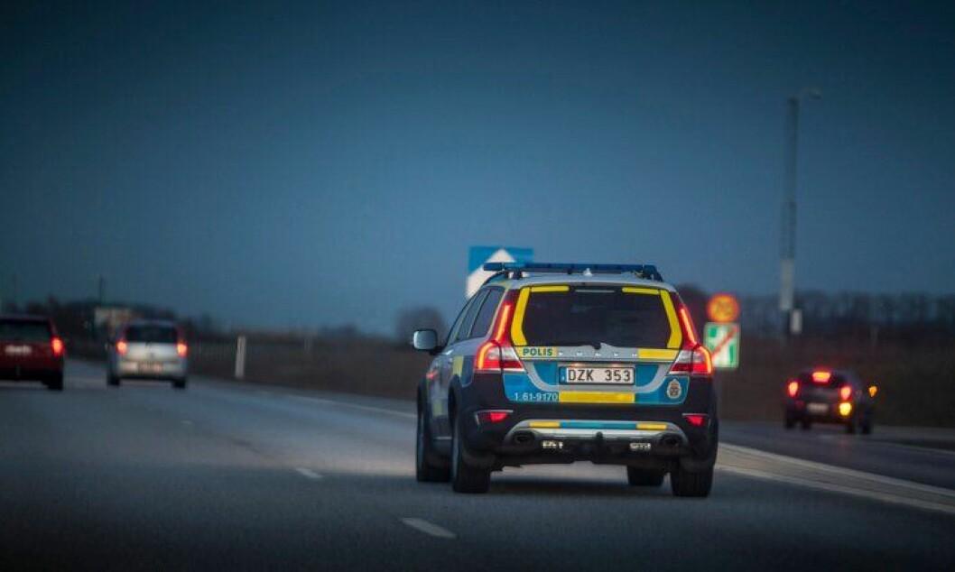 Svenske politifolk frykter lang vei til jobben. Operatører sier de vil slutte.