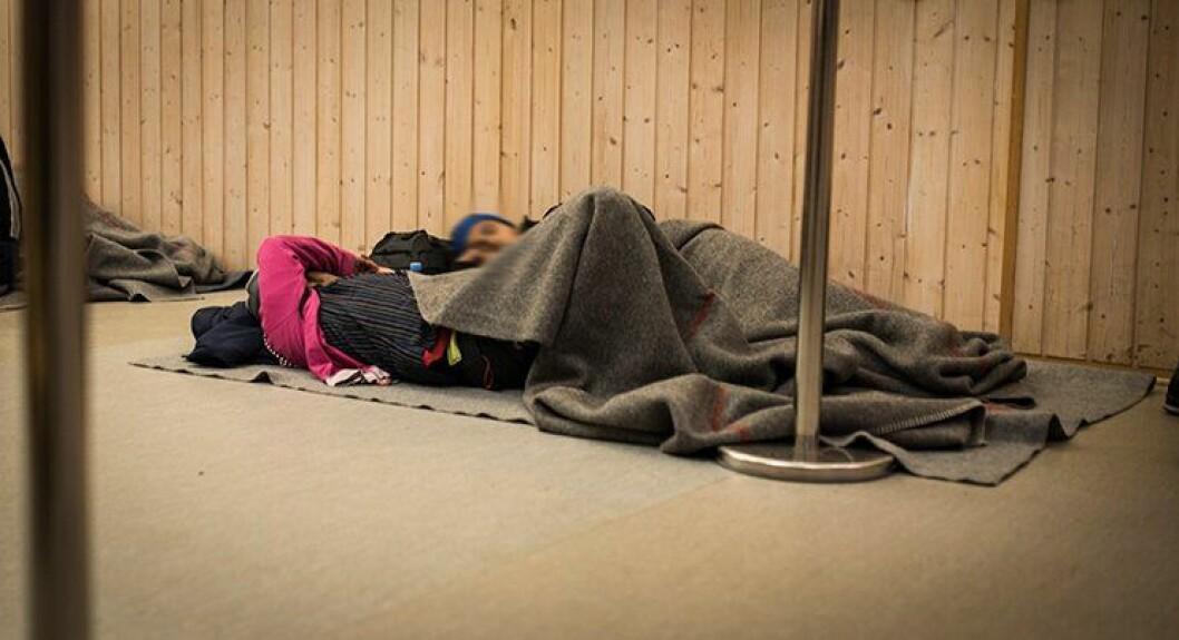 Situasjonen på Storskog er spesiell. Det blir sene kvelder både for politifolk og asylsøkere.